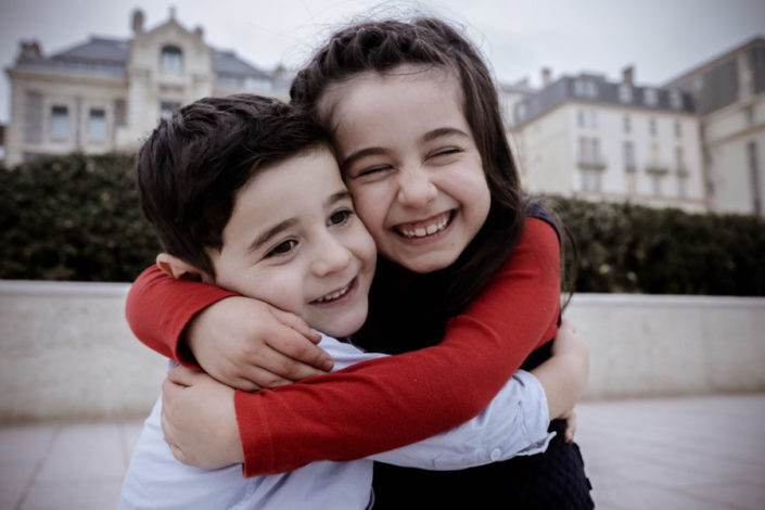 Jean Coubard-Photographe de Famille- Amour fraternel