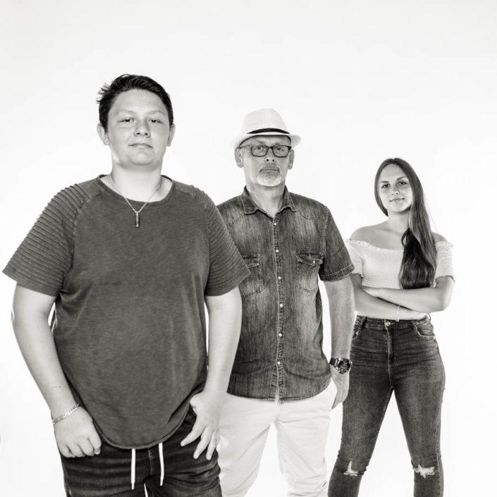 Jean Coubard-Photographe de Famille-noie et blanc en studio