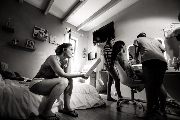 Jean Coubard-Photographe-Toulouse-photo des préparatifs de la mariée et ses témoins