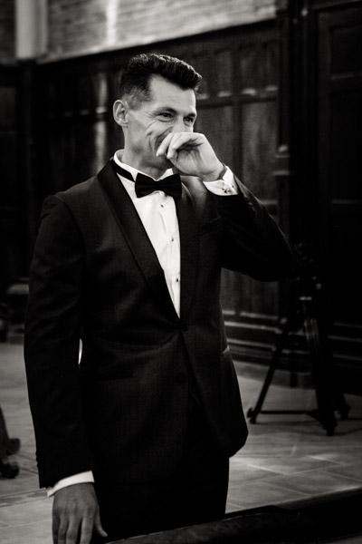 Jean Coubard-Photographe-Toulouse-photo du marié émotion