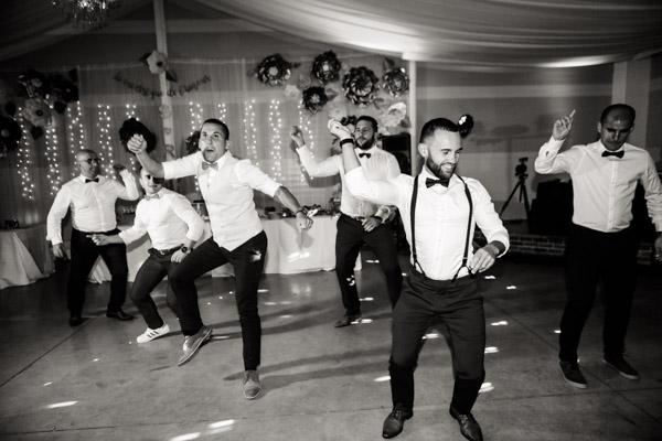 Jean Coubard-Photographe-Toulouse-danse des garçons d'honneur