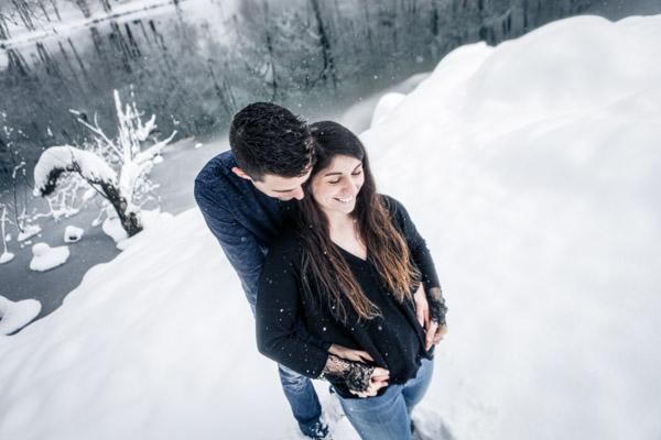 Séance Couple-Jean Coubard-Photographe- Toulouse, câlin sous la neige
