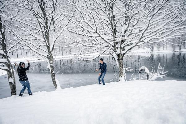 Séance Couple-Jean Coubard-Photographe- Toulouse, bataille de boules de neige