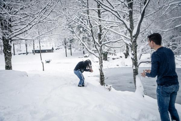 Séance Couple-Jean Coubard-Photographe- Toulouse, bataille dans la neige