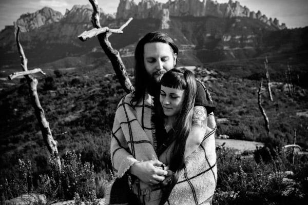 Séance Couple - Jean Coubard-Photographe- - catalunya-spain - Montserat, sous la couette