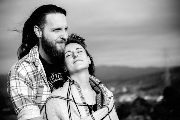 Séance Couple - Jean Coubard-Photographe- - catalunya-spain - les cheveux au vent