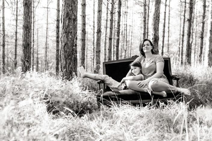 Séance Famille- Jean Coubard-Photographe-rieux-volvestre-canapé en foret